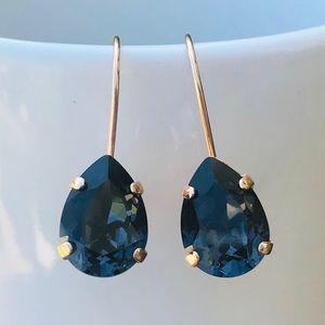 Swarovski teardrop graphite drop earrings!!